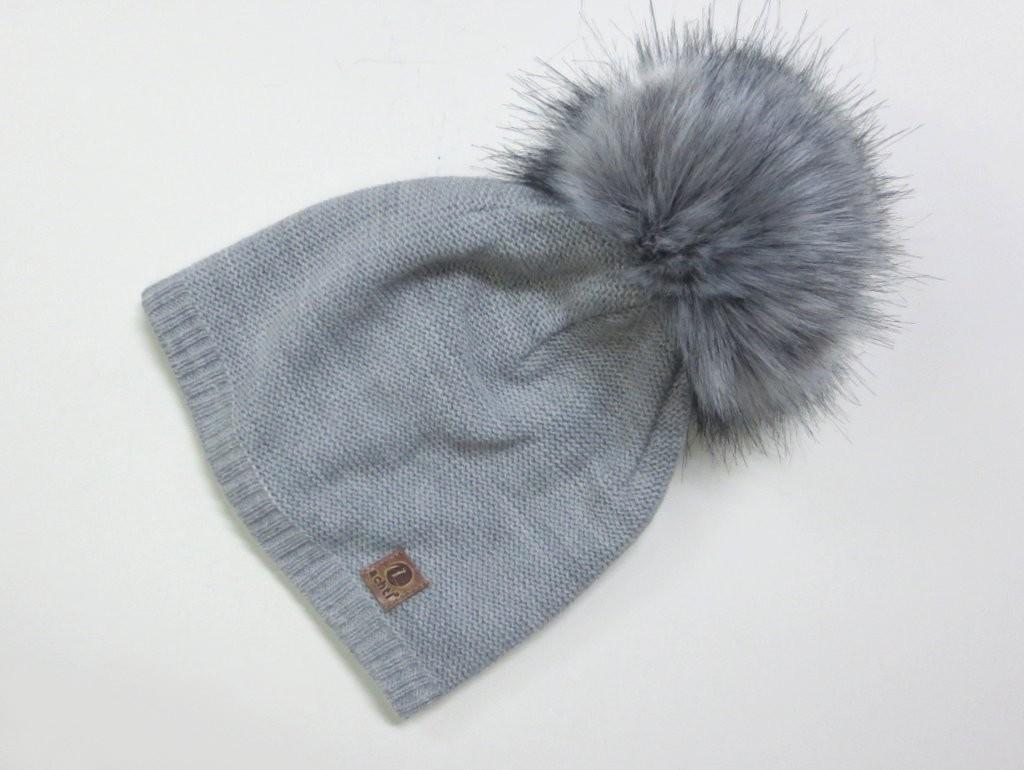 54da49410 Dámska čiapka s brmbolcom- sivá