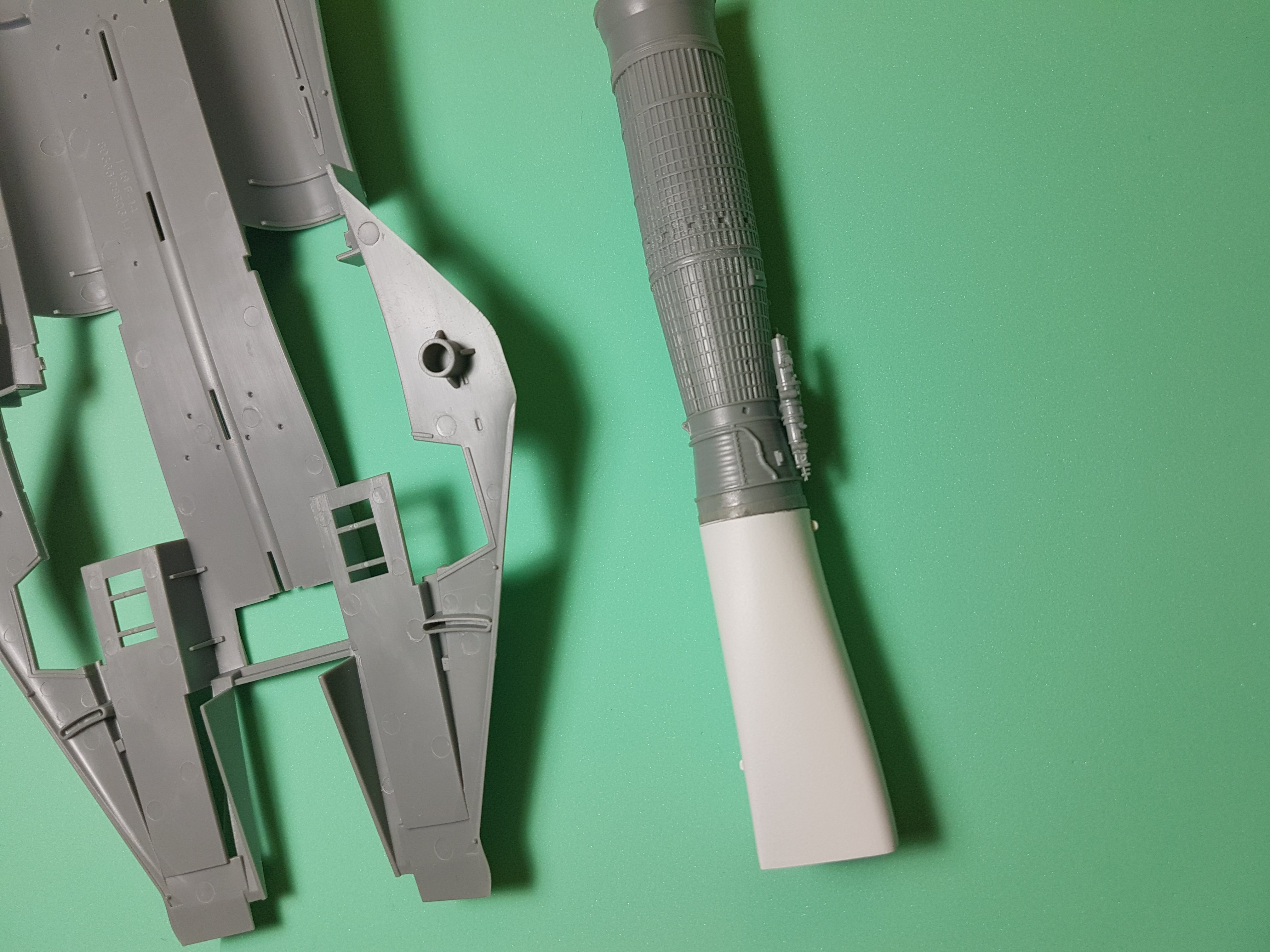 F-14 Tomcat  Seamless intakes/ Hobby Boss 1/48