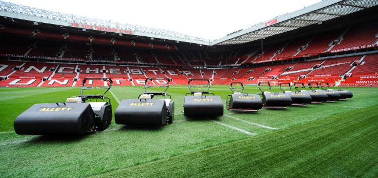 Vretenové kosačky Allett na FC Manchester United